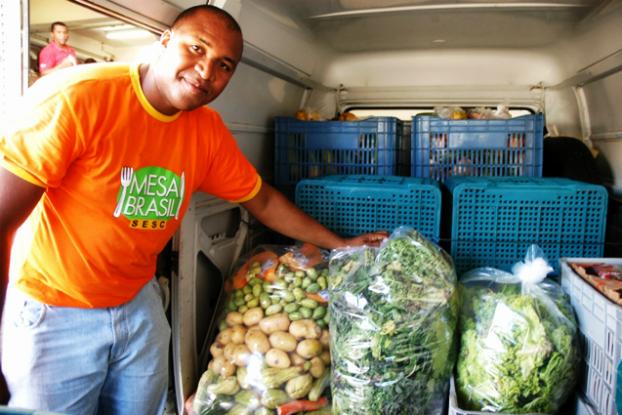 Mesa Brasil do Sesc distribui 41 milhões de kg de alimentos em 2013