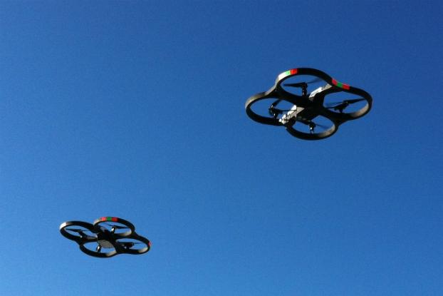 Cuidado, drones trabalhando
