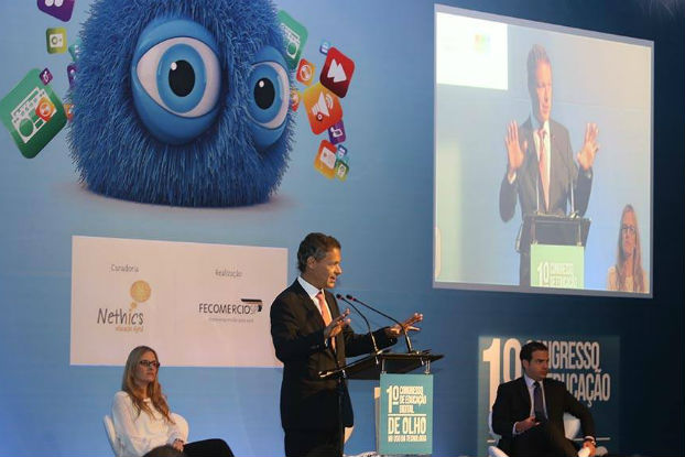 Papel dos pais e da escola na educação digital dos jovens é tema de debate na FecomercioSP