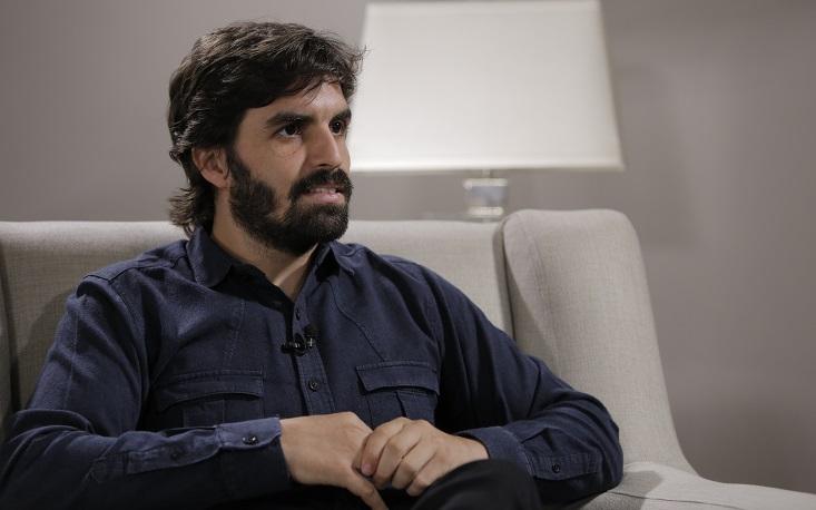 """""""Democracia deve olhar para as possibilidades do século XXI"""", diz Rafael Poço"""