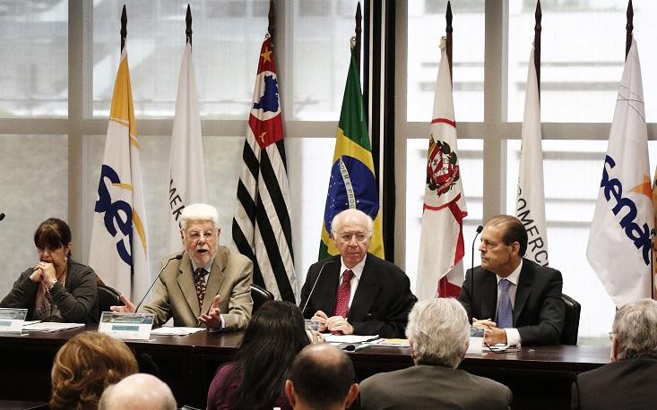 Ex-ministros defendem reformar a Previdência para evitar a insolvência do País