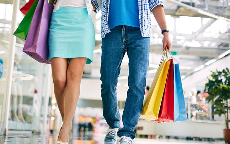 Intenção de consumo sobe pelo oitavo mês seguido e alcança o maior patamar desde 2015