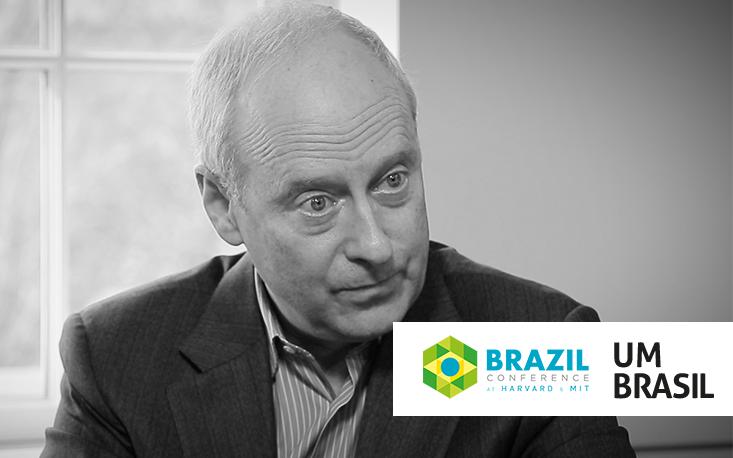 """""""Democracias precisam dar participação significativa aos cidadãos"""", diz Michael Sandel"""