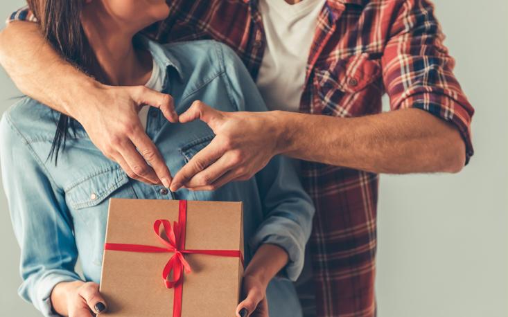 Vendas do varejo no período que antecede o Dia dos Namorados crescem 4,5%, aponta FecomercioSP