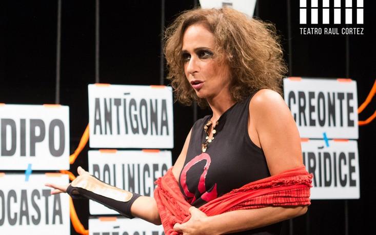 """Andréa Beltrão protagoniza """"Antígona"""" em curta temporada no Teatro Raul Cortez"""