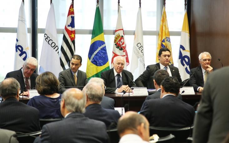 Ministério do Trabalho, MDIC e FecomercioSP lançam cartilha sobre modalidades de contratação