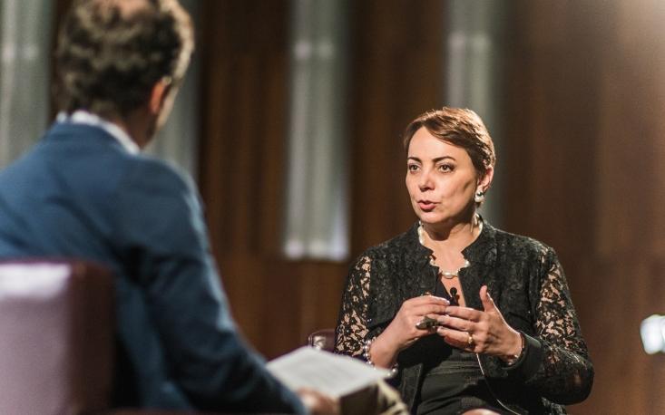 Falta de representatividade feminina afeta desempenho das jovens no mercado de trabalho, diz Tânia Cosentino