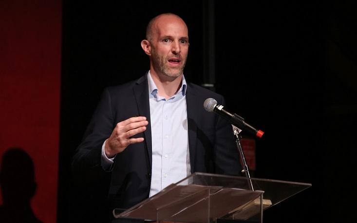 Forma como nos relacionamos com a tecnologia no mundo do trabalho ditará o futuro, diz Thomas Philbeck em evento na FecomercioSP