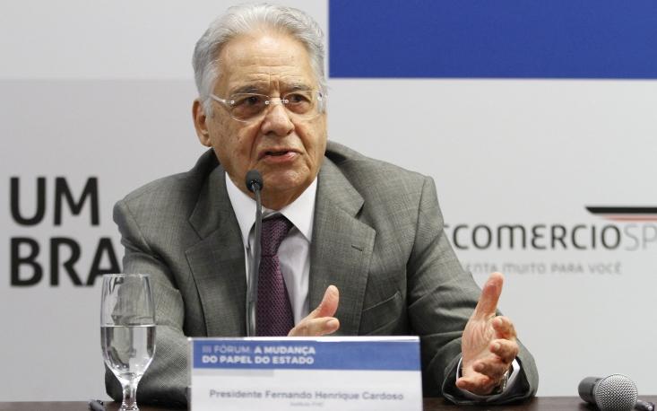 Problema fiscal está enraizado em interesses políticos, diz FHC em evento
