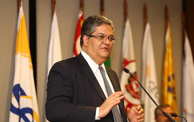 Ministro do TSE Henrique Alves também participou das discussões - Foto: Fernando Nunes