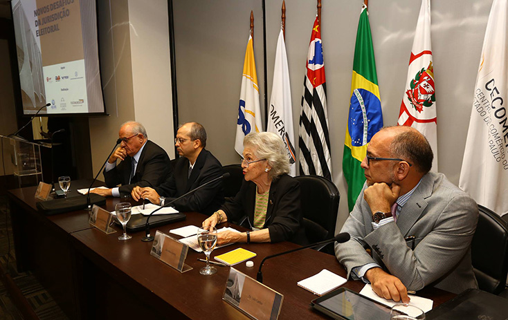 Discussões no painel A Justiça Eleitoral como jurisdição federal e o papel do Juiz Federal  - Foto: Fernando Nunes