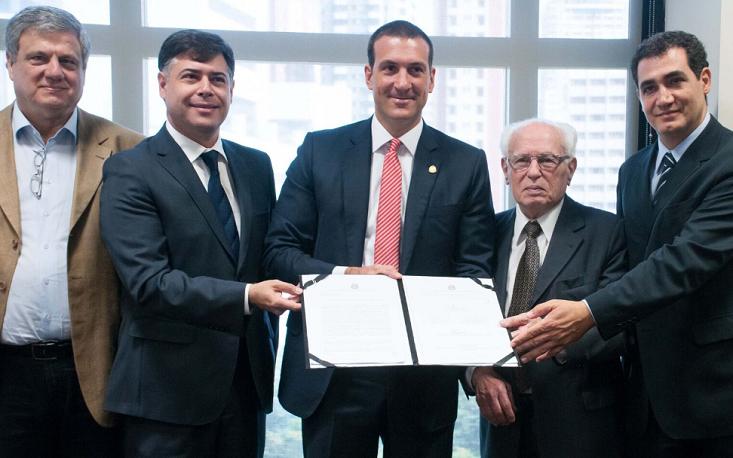 FecomercioSP assina Termos de Compromisso de Logística Reversa com Governo do Estado