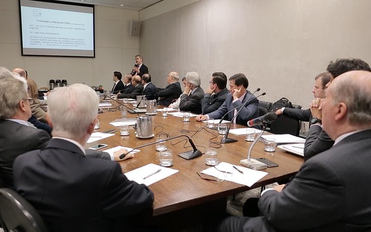 Conselho de Assuntos Tributários aponta desafios na tributação do ICMS sobre combustíveis para não repetir os mesmos erros com a Reforma Tributária
