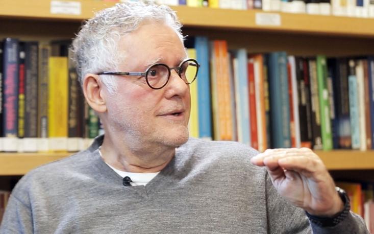 """Temos de tirar os candidatos da zona de conforto que o marketing criou para eles"", diz Sérgio Abranches"