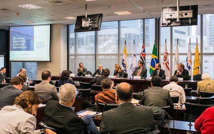 FecomercioSP promove seminário sobre cenários e oportunidades da geração distribuída de energia