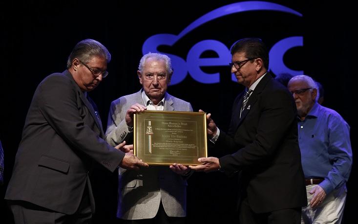 Presidente da FecomercioSP recebe o título de Cidadão Biriguiense
