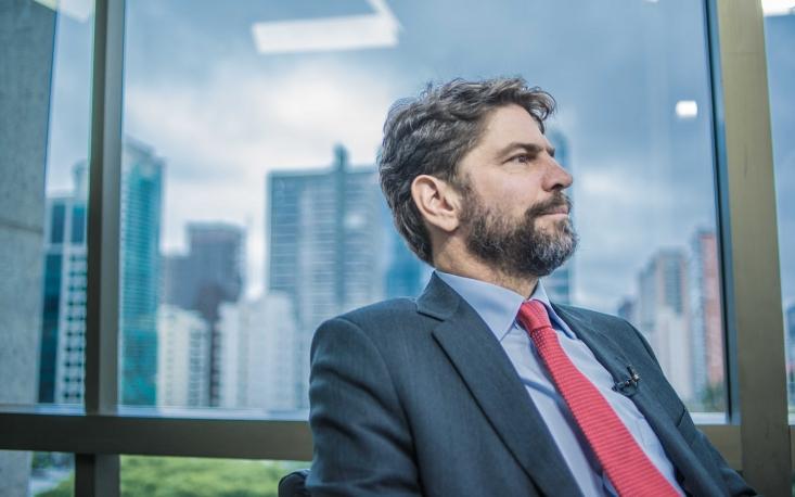 Não haverá uma grande guinada política em 2018, diz Ricardo Sennes