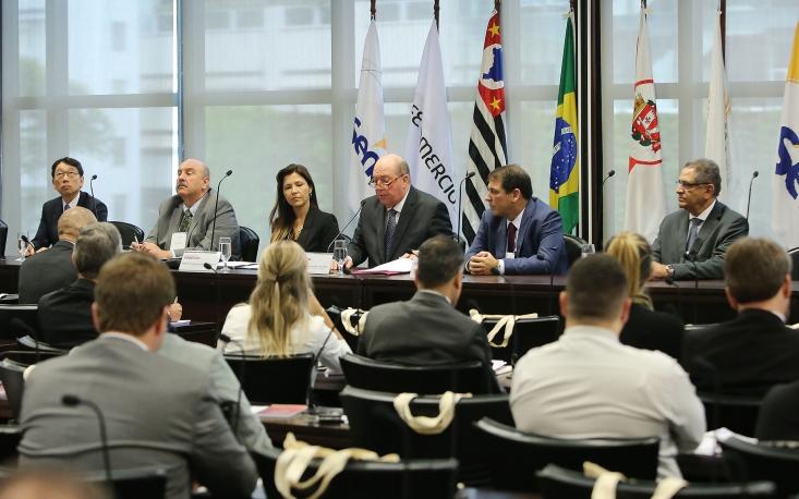 """Palestrantes apontam lacunas no programa """"Nos Conformes"""" em congresso na FecomercioSP"""