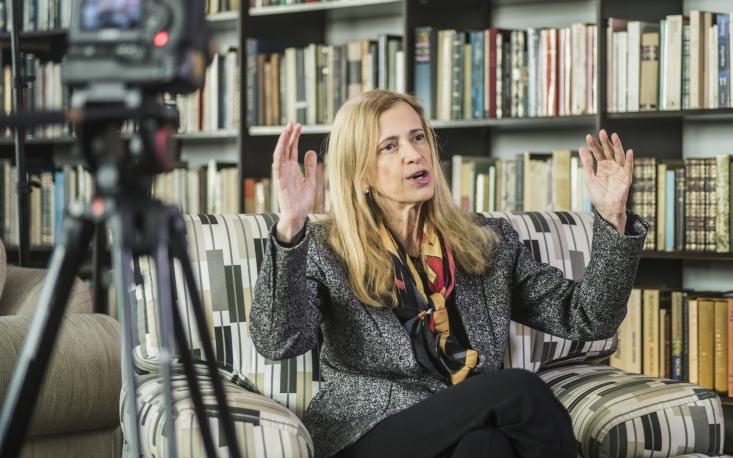 Escolas ainda produzem analfabetos funcionais, critica Claudia Costin