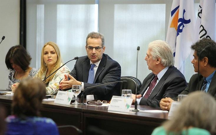 """""""América Latina é espaço para pequenas empresas entrarem no comércio exterior"""", diz diretor do Itamaraty em evento na FecomercioSP"""