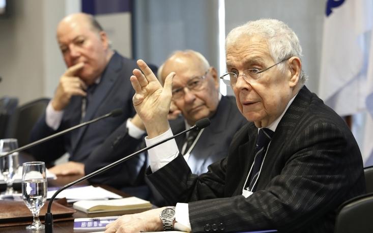 Estados e municípios precisam estar envolvidos na Reforma da Previdência, afirma ex-ministro do STF