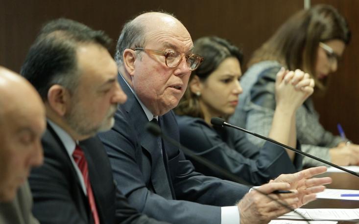 Tributaristas discutem propostas de simplificação e os grandes projetos de reforma no sistema