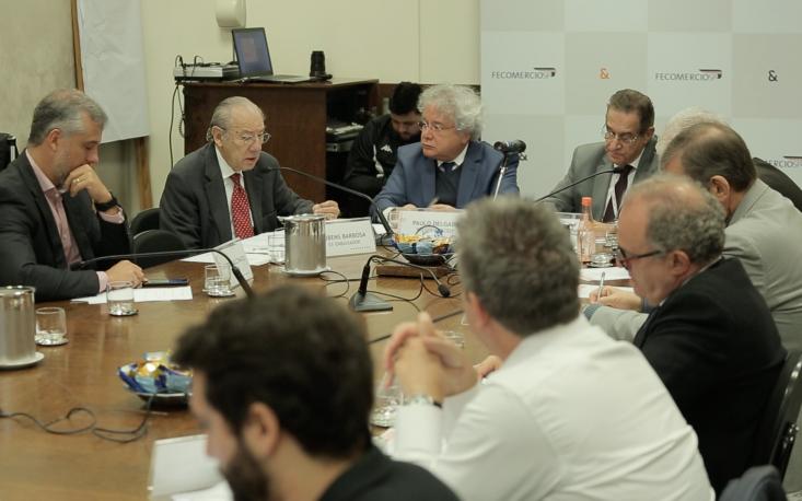 Empresários brasileiros devem ter cautela com cenário internacional incerto
